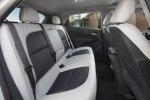 Chevrolet рассекретил электрический хэтчбек Bolt EV - фото 1