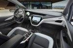 Chevrolet рассекретил электрический хэтчбек Bolt EV - фото 3