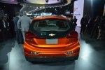 Chevrolet показал бюджетный электрокар Bolt - фото 10