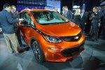 Chevrolet показал бюджетный электрокар Bolt - фото 11