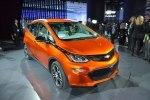 Chevrolet показал бюджетный электрокар Bolt - фото 2