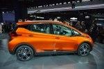 Chevrolet показал бюджетный электрокар Bolt - фото 5