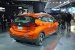 Chevrolet показал бюджетный электрокар Bolt - фото 6