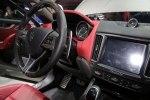 Первый кроссовер Maserati наконец-то появился на публике - фото 17