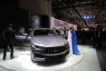 Первый кроссовер Maserati наконец-то появился на публике - фото 32