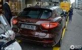 Новейший Maserati Levante засветился на женевских дорогах - фото 5