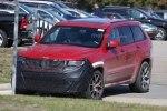 Jeep Grand Cherokee Trackhawk: первые живые фото дьявольски заряженного SUV`а - фото 5