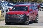 Jeep Grand Cherokee Trackhawk: первые живые фото дьявольски заряженного SUV`а - фото 6