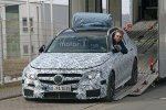 Универсал Mercedes-AMG E63 был замечен фотошпионами во время разгрузки - фото 2