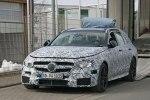 Универсал Mercedes-AMG E63 был замечен фотошпионами во время разгрузки - фото 8