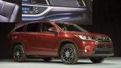 Toyota представила обновленный внедорожник Highlander - фото 1