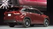 Toyota представила обновленный внедорожник Highlander - фото 4