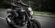 Suzuki показали мотоцикл SV650 Scrambler 2017 - фото 18