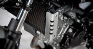 Suzuki показали мотоцикл SV650 Scrambler 2017 - фото 8