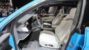 Audi показала большой кроссовер Q8 - фото 11
