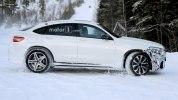 «Заряженный» кроссовер Mercedes-AMG GLC 63 Coupe вновь замечен на тестах - фото 7