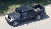 Jeep перенес премьеру пикапа Wrangler - фото 19