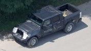 Jeep перенес премьеру пикапа Wrangler - фото 20
