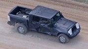 Jeep перенес премьеру пикапа Wrangler - фото 5