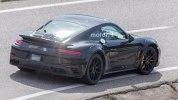 Следующее поколение Porsche 911 Turbo впервые попало в объективы фотокамер - фото 12