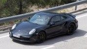 Следующее поколение Porsche 911 Turbo впервые попало в объективы фотокамер - фото 5