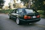 Уникальный BMW E34 M5 универсал оценили в $60 тысяч - фото 1