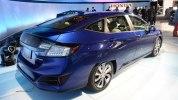 В Нью-Йорке представлены электрический и гибридный седаны Honda Clarity - фото 4