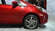 Toyota похвасталась в Нью-Йорке обновленным Yaris - фото 8