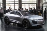 Электрический кросс Audi E-Tron Sportback Concept представлен официально - фото 16