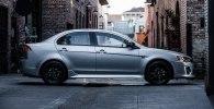 Седан Mitsubishi Lancer получил особую версию Limited Edition - фото 5