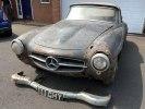 Раритетный Mercedes-Benz 190SL нашли в затопленном гараже - фото 2