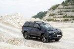 Toyota Land Cruiser Prado с новой внешностью: первые фотографии - фото 5