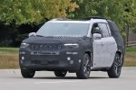 Серийный трехрядный внедорожник Jeep сфотографировали на тестах - фото 7