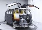 Хиппибас Volkswagen превратили в машину из «Назад в будущее» - фото 5