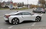 BMW вывела на тесты новую модификацию i8 - фото 3
