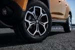 Новый Dacia Duster: производитель показал фото и назвал сроки поступления в продажу - фото 25