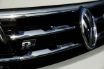 VW представил «спортивный» кроссовер Tiguan R-Line - фото 2