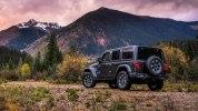 Новый Jeep Wrangler: алюминиевый кузов и крыша с электроприводом - фото 32