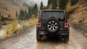 Новый Jeep Wrangler: алюминиевый кузов и крыша с электроприводом - фото 41