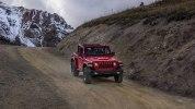 Новый Jeep Wrangler: алюминиевый кузов и крыша с электроприводом - фото 79