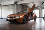 BMW официально представила открытую модификацию гибридного споткара i8 - фото 21
