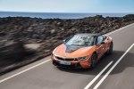 BMW официально представила открытую модификацию гибридного споткара i8 - фото 36