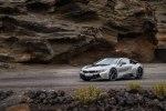 BMW официально представила открытую модификацию гибридного споткара i8 - фото 79