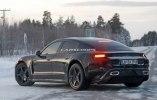 Porsche испытала свой первый электрокар в зимних условиях - фото 12