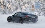 Porsche испытала свой первый электрокар в зимних условиях - фото 6