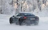 Porsche испытала свой первый электрокар в зимних условиях - фото 7