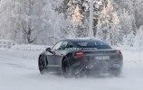 Porsche испытала свой первый электрокар в зимних условиях - фото 8