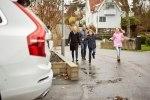 Volvo предоставит шведским семьям сотню беспилотных автомобилей - фото 22