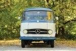 Ретро-микроавтобус Mercedes-Benz O 319 продают за $200 000 - фото 13
