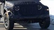 Новый пикап Jeep Scrambler выехал на тесты - фото 2